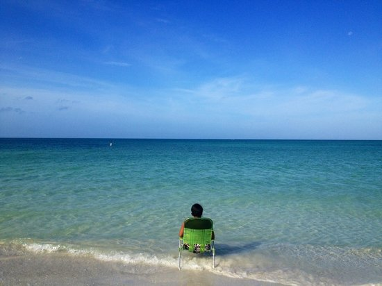 Holiday Inn Sarasota - Lido Beach: Hotel beach chair and one of the best beaches I have been to.