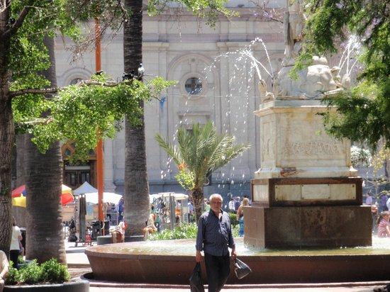 Plaza de Armas: La  fuente