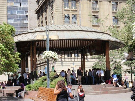 Plaza de Armas: otra  vista  del  club  de  ajedrez