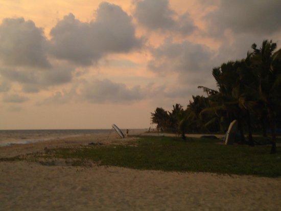 Abad Turtle Beach : sun set