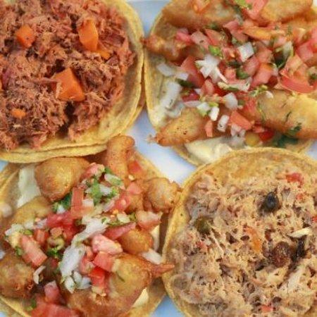 El Oasis Mariscos: Tacos de mariscos