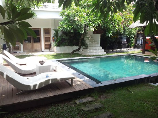 The Island Hotel: Pool Area