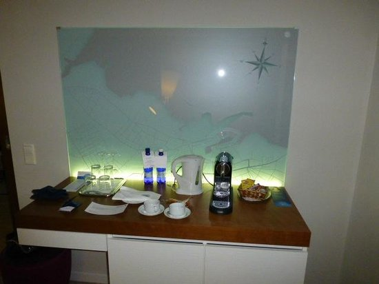 Radisson Blu Sky Hotel : Nespresso machine and water
