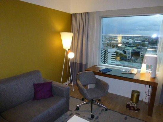 Radisson Blu Sky Hotel : working corner