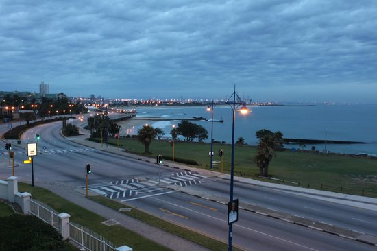 Courtyard Hotel Port Elizabeth: Early morning view from the balcony