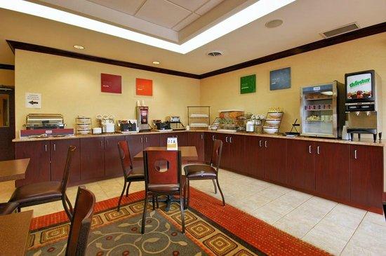 Comfort Inn & Suites Farmington - Victor: Breakfast Room