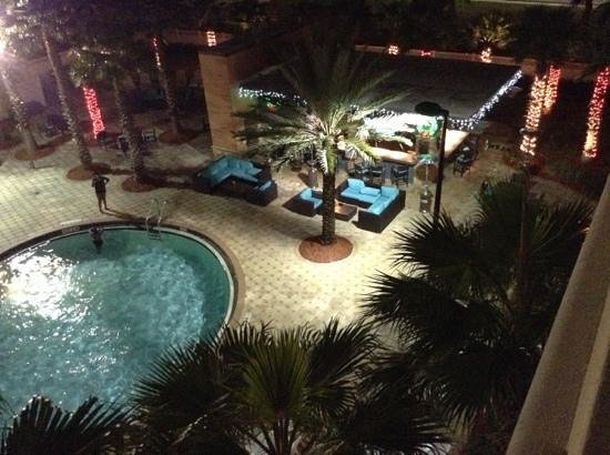 The Point Orlando Resort : Over looking Cabana bar and pool from our room