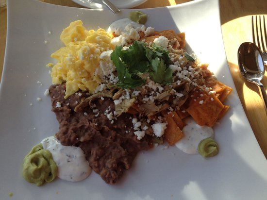 Flow Restaurant and Lounge : Chiliquiles