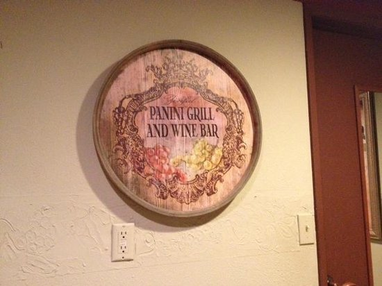 Zinful Panini Grill & Wine Bar: Bathroom pic