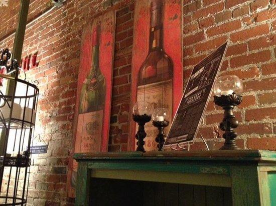 Zinful Panini Grill & Wine Bar: Orignal brick walls