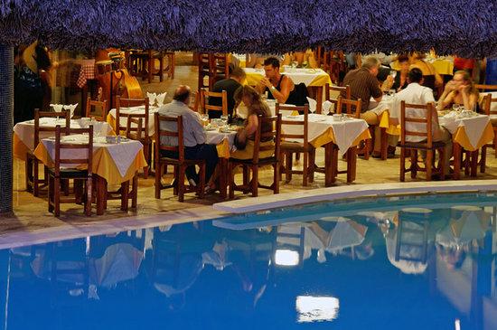 Melia Las Americas: La Robleza Restaurant