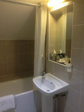 Copthorne Hotel London Gatwick : Bathroom - room 406