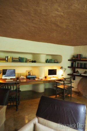 Singita Boulders Lodge: Library Area