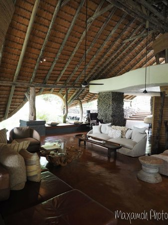 Singita Boulders Lodge: Main Lounge in Lodge