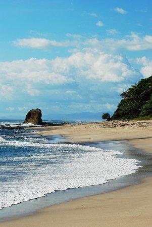 Playa cerca de Casa de la Luna
