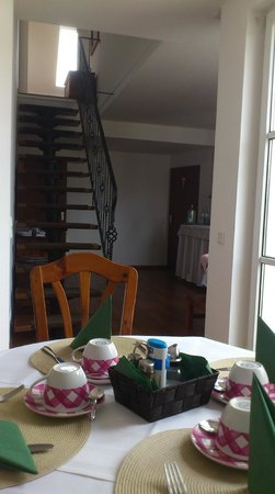 Hotel Am Rathaus: Breakfast room and stair to top room