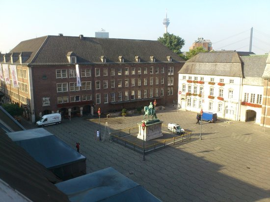 Hotel Am Rathaus : View towards square