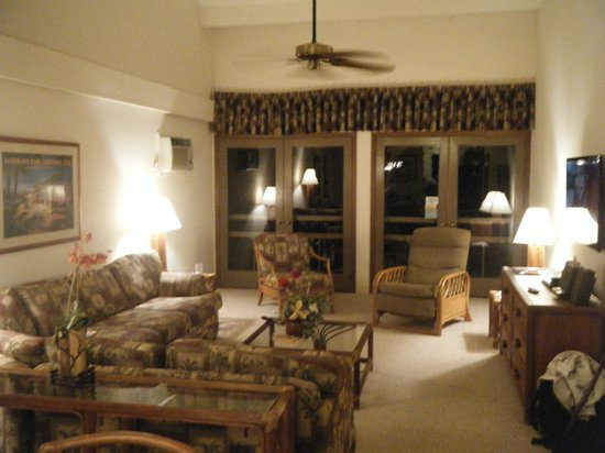 Aston Maui Hill : 2 bdr living room