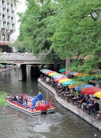 Fairfield Inn & Suites San Antonio Downtown/Alamo Plaza: River Walk