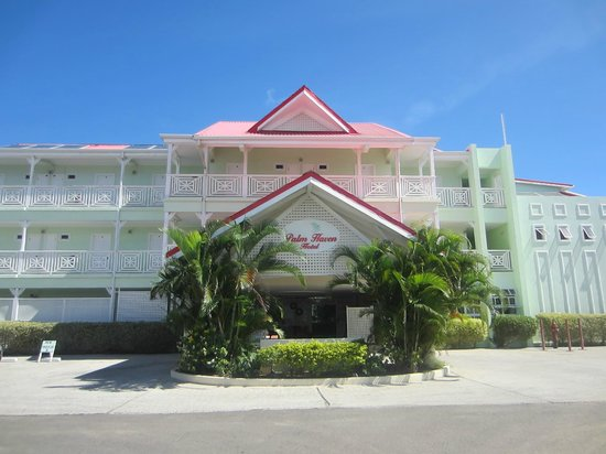 Palm Haven Hotel: View of Hotel front