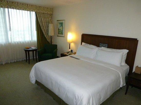 Plaza Athenee Bangkok, A Royal Meridien Hotel: room