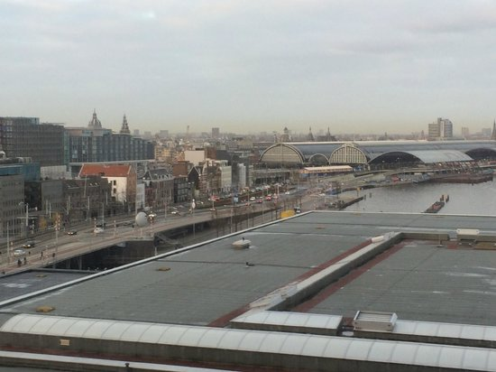 Movenpick Hotel Amsterdam City Center: View from the hotel