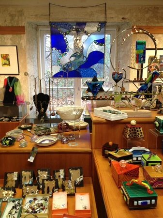 Farmington Valley Arts Center: Wonderful Gift Gallery