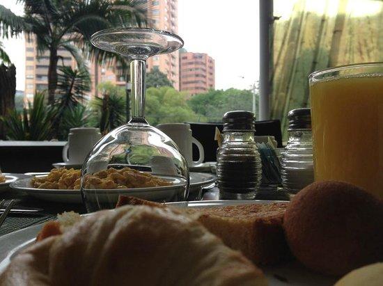 Four Points By Sheraton Medellin: Desayuno