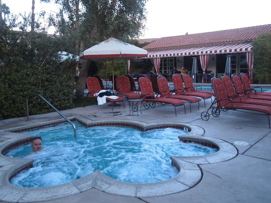 Colony Palms Hotel: Spa and pool