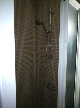 Hotel de l'Univers : La douche