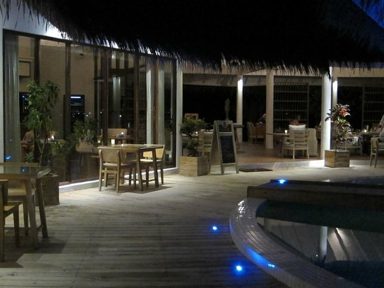 Centara Grand Island Resort & Spa Maldives : Island Club