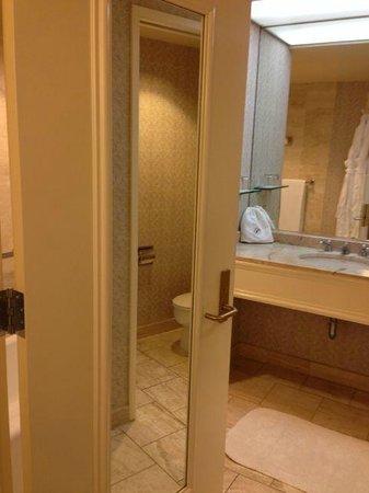 Fairmont San Jose : Bathroom