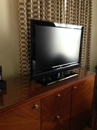 Fairmont San Jose: Flatscreen TV