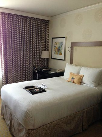 Fairmont San Jose: Room