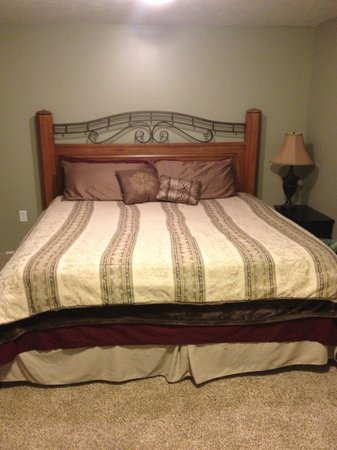 Leach Lake Cabins & Resort: Lakehouse Bedroom #2