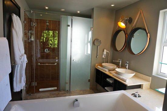 Majeka House: salle de bain