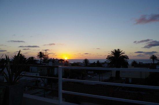Atlantico Boutique Hotel: Punta Del Este sunset from our balcony