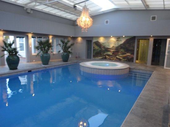 Majeka House : piscine jacuzzi