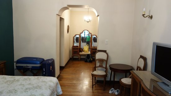 Hotel del Virrey: Room located in the front of the hotel