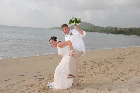 Villa Beach Cottages: Beach Wedding