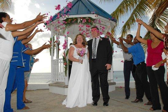 Villa Beach Cottages: Wedding