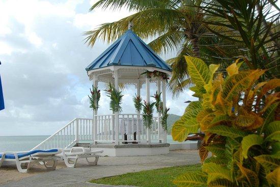 Villa Beach Cottages: Wedding Gazebo