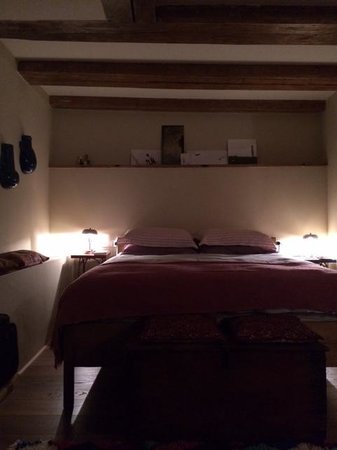 The Weavery Boutique Bed & Breakfast: Sleeping room with very comfortable bed