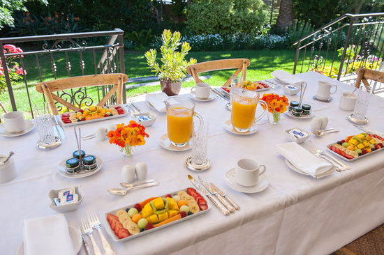 Blaauwheim Guest House: Breakfast on the patio