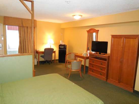 Red Roof Inn Amarillo West: Spacious room
