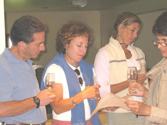 Quality Wine Tours customer group tour