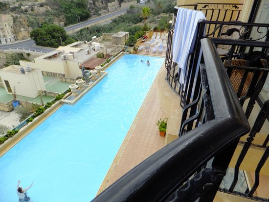 Grand Hotel Gozo: pool from our 6th floor room