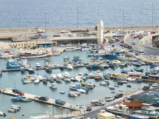 Grand Hotel Gozo: view of harbour