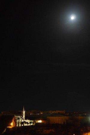 Grand Hotel Gozo: view of church at night
