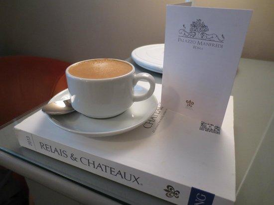 Palazzo Manfredi - Relais & Chateaux: Nespresso machine in room